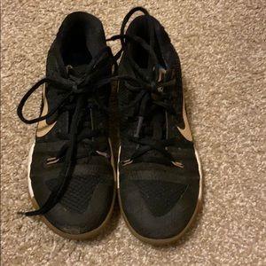 Nike black size 2Y